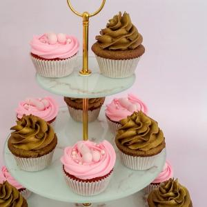 Hens themed cupcakes