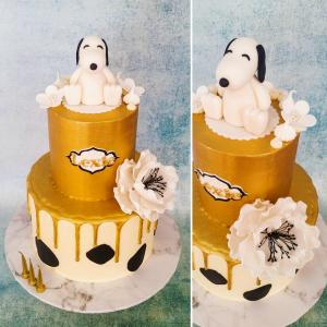 Snoopy and cows themed cake