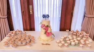 Wedding styled cupcakes with laser cut wrappers
