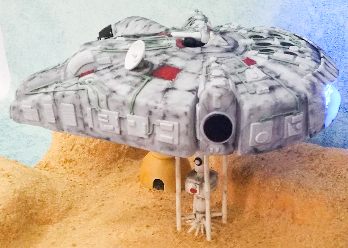 Millennium Falcon cake with lights