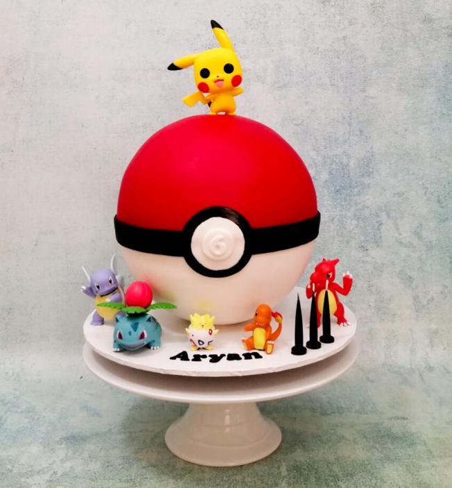 3D Pokeball cake